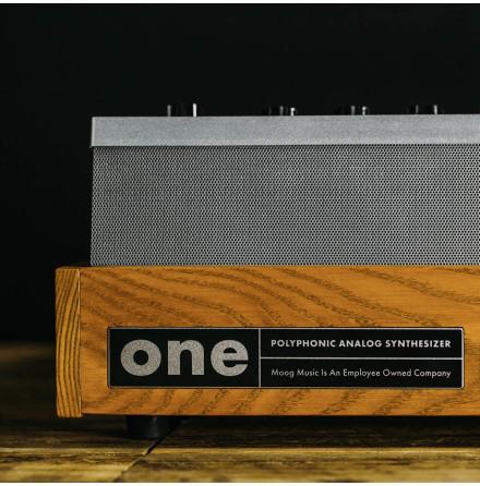 One (8-röster)